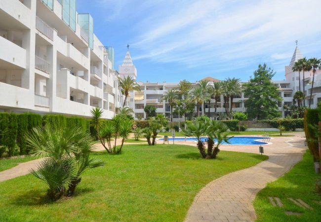 Apartamento en Rosas / Roses - ISAR13-APARTAMENTO CON TERRAZA Y JARDIN